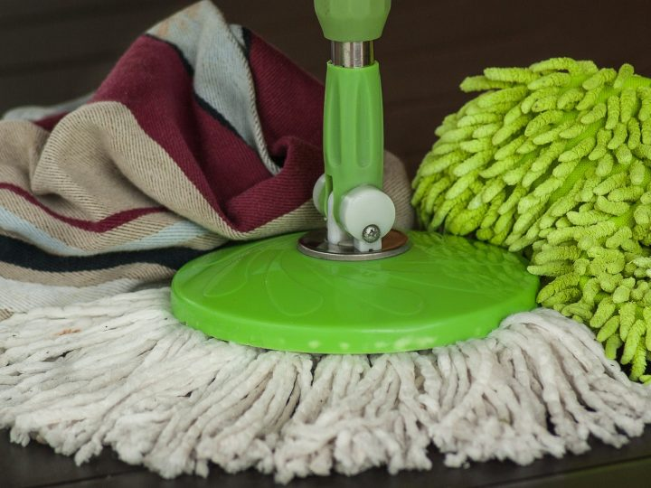 שמירה על השטיח עם חומרי ניקוי מתאימים